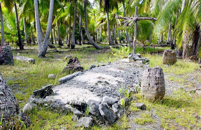 Tombe du roi géant de Hao, © Tahiti Heritage