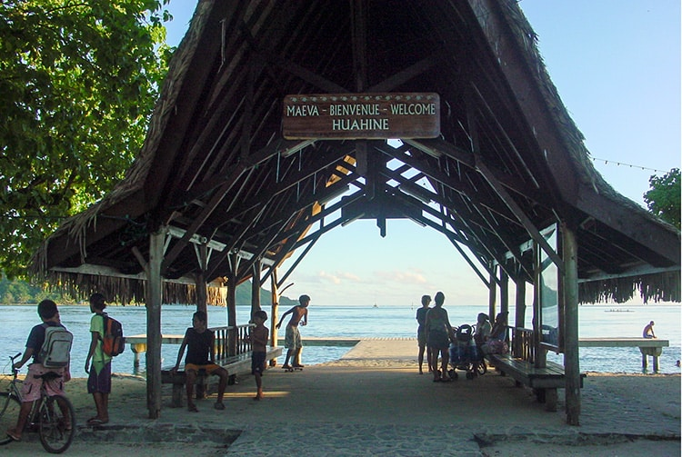 Village de Fare, île de Huahine