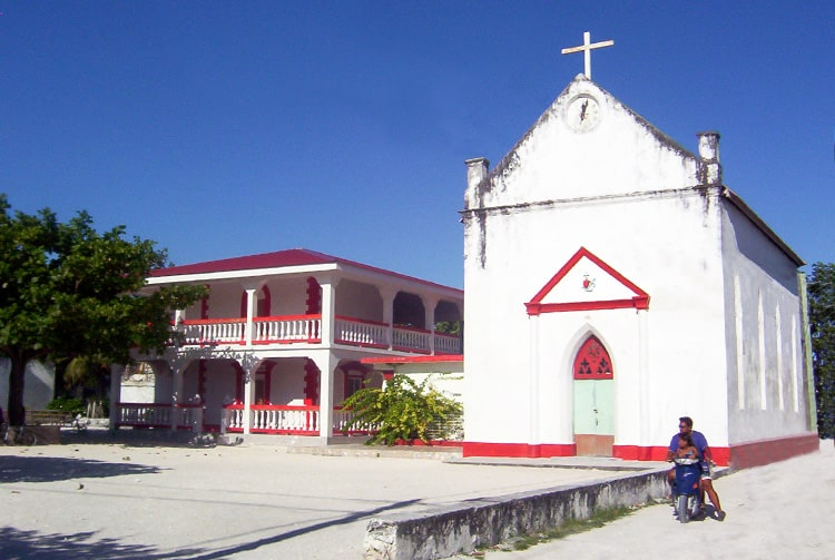 Ancienne église de Makemo