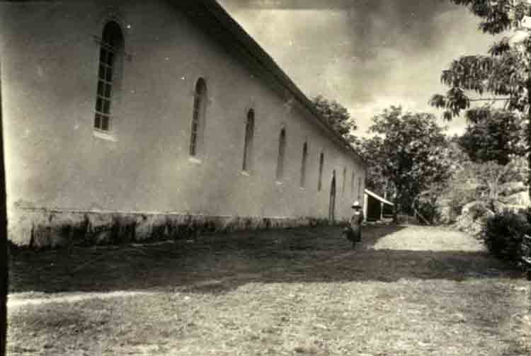 La cathédrale des Gambier en 1934. Photo Emory
