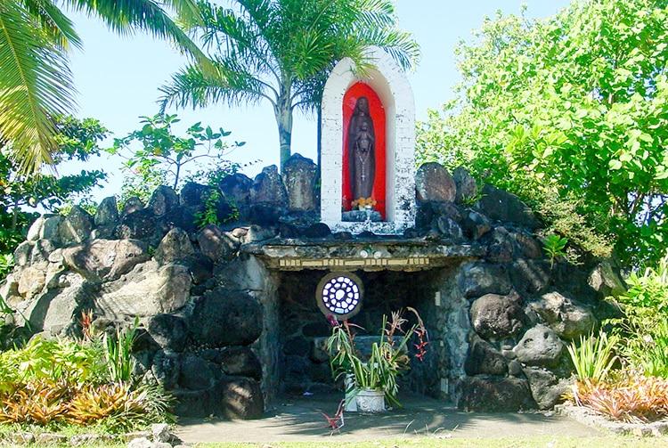 Grotte de Lourdes de Mataiea