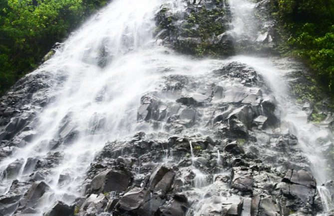 Cascade de la Vaioro à Afareitu, Moorea