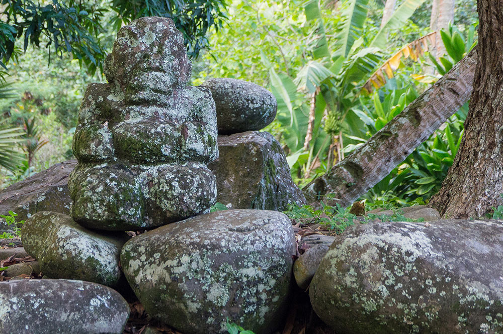 Tiki du tohua de Koueva, à Nuku Hiva. Photo Rita Willaert