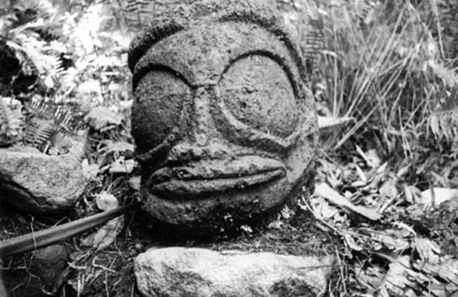 Tiki de Taipivai en 1935. Expédition Van der Broek