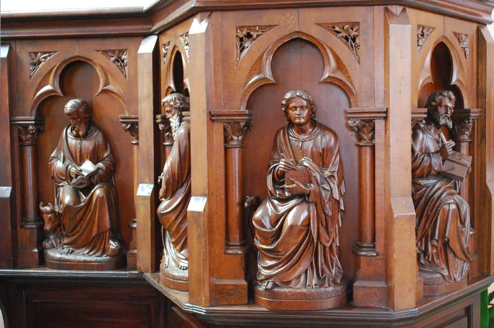 La chaire de la cathédrale de Papeete