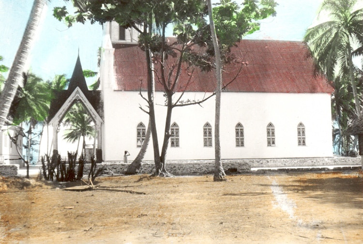 Temple mormon de Takaroa en 1938. Photo leolani.net