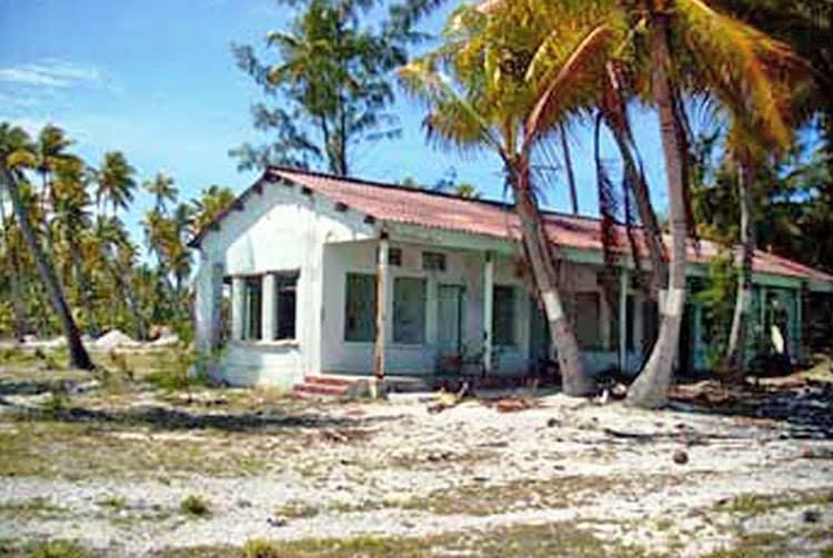 Ancienne station météo du CEP à Tureia