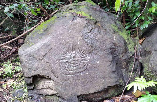 Pétroglyphe de la vallée de la Vaiote à Tautira.