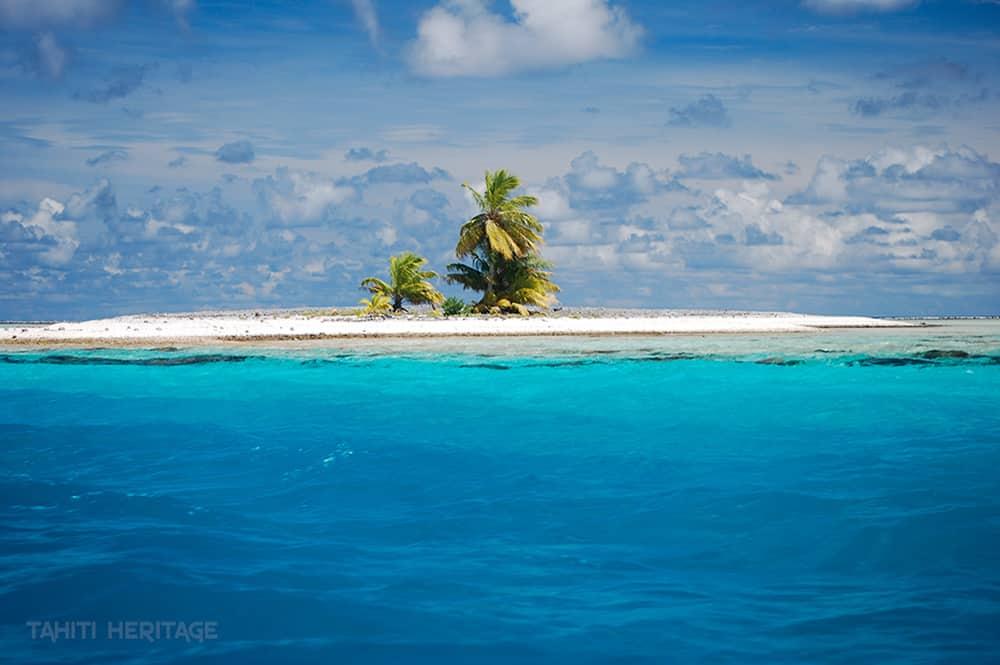 Blue lagoon Aratika tuamotu © Tahiti Heritage / Olivier Babin