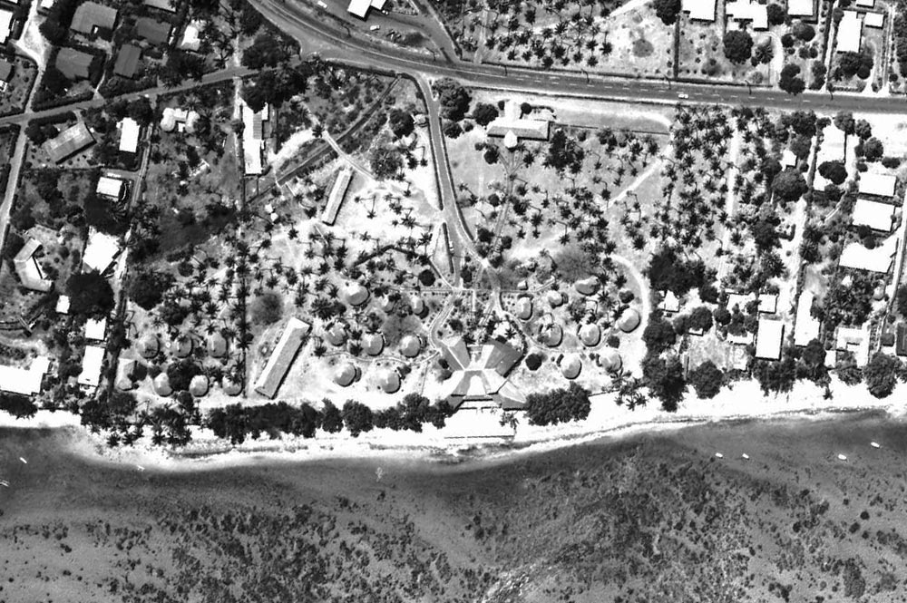 Vue aérienne de l'Hôtel Tahiti Village de Punaauia