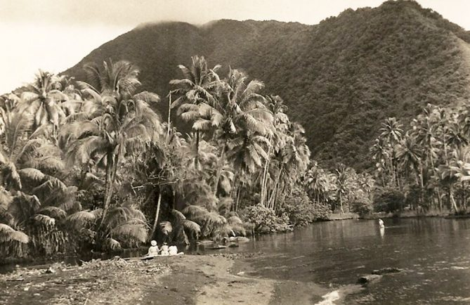Vallée de la Vaitepiha à Tautira (Tahiti)
