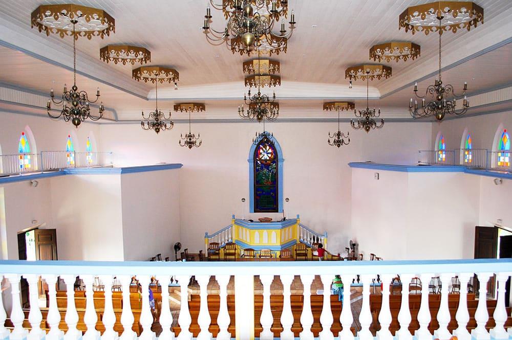 Intérieur du temple de Papara