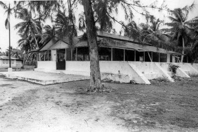 Chefferie, mairie, de l'ancien village Tukuhora de Anaa en 1967