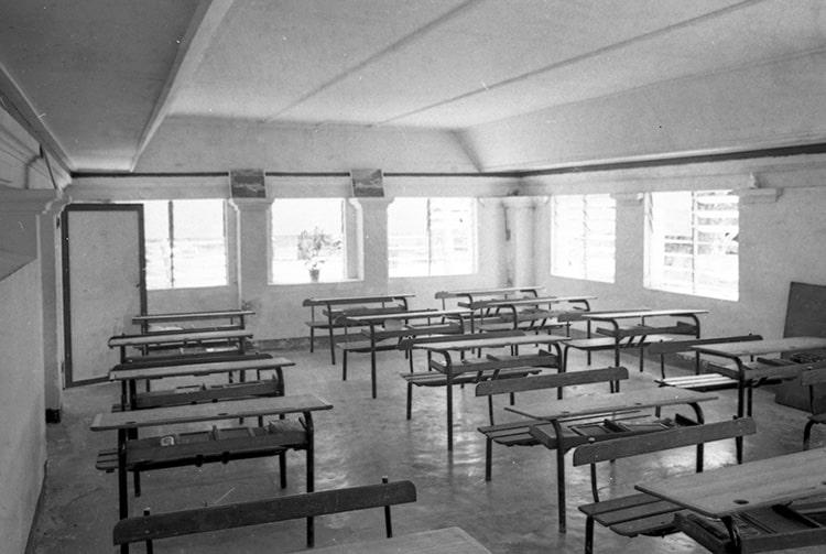 Ecole communale de Katiu en 1967