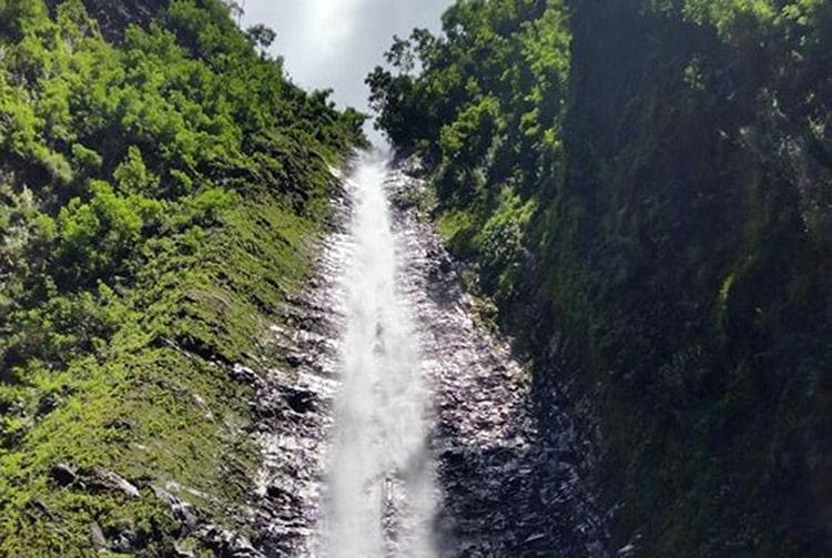 Cascade de la vallée de Tipaerui, Papeete. Photo Chantal Alexandre Tahiti Iti