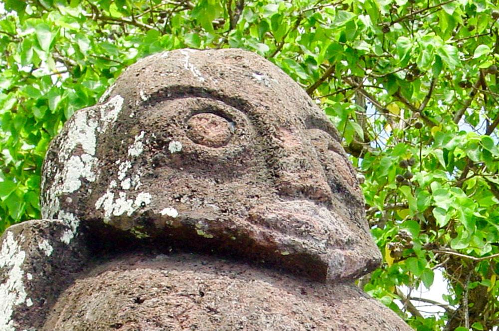 Tête du Tiki de Tunui Salmon à Tautira, Tahiti