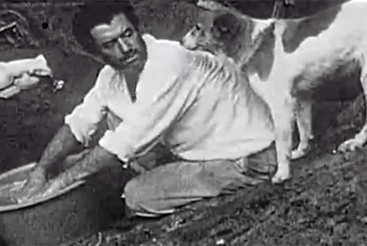 Georges de Caunes et son chien à Eiao