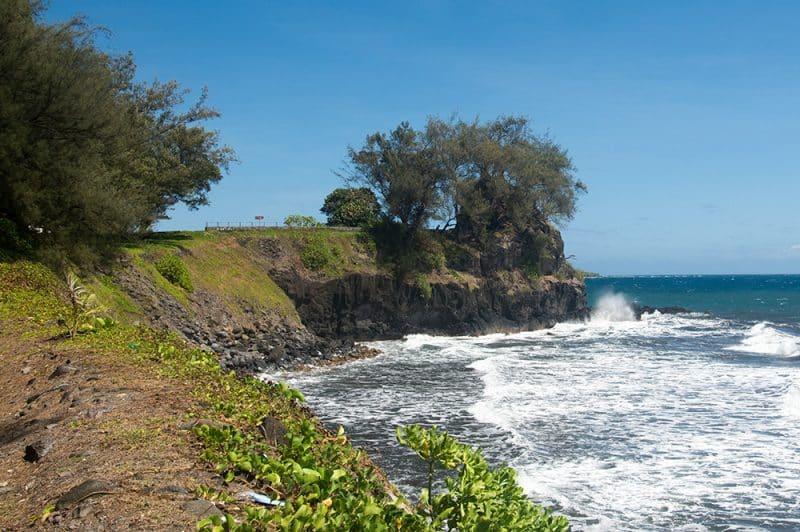 La pointe Tapahi à Mahina vue de la plage de Papenoo © Tahiti Heritage
