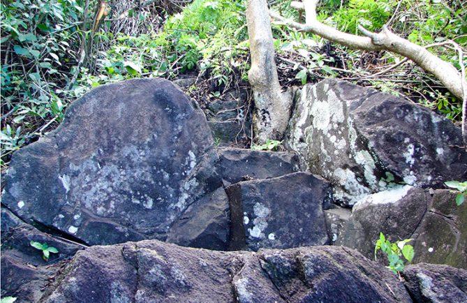 Ofai fanau raa, Pierre pour accoucher. Paea Tahiti. © Tahiti Heritage