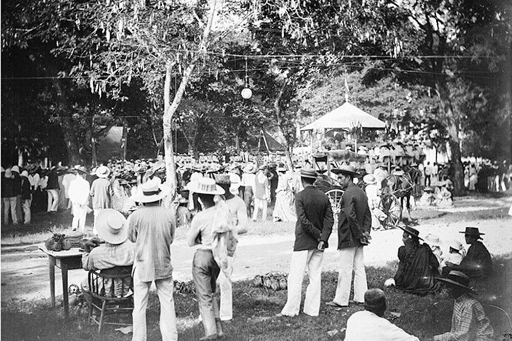 Le 17 juillet 1897; place du Gouvernement à Papeete