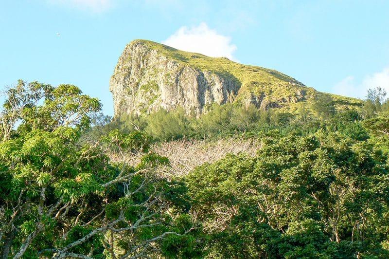 Mont Taria à Raivavae. Photo Tahiti95