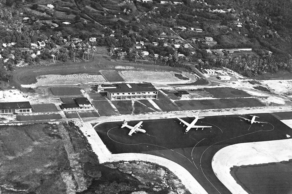 Le bâtiment de l'aéroport de Tahiti Faa'a en 1961