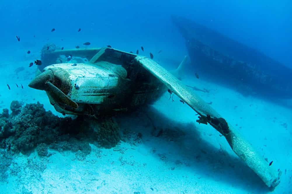 Epave du Cessna dans le lagon de Faa'a Photo Sylvain Girardot,