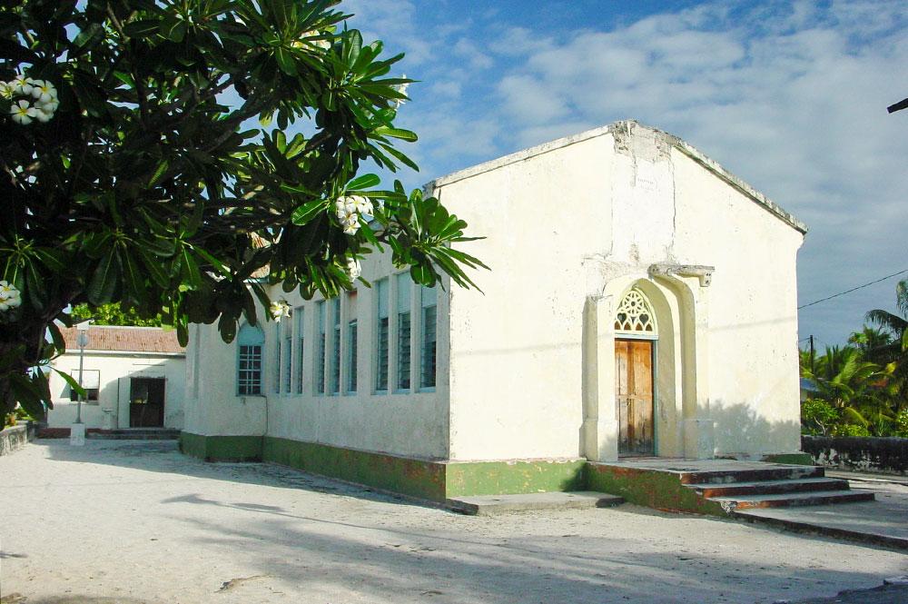 Ancienne église de Faaite, sans son clocher en 2003 © Tahiti Heritage