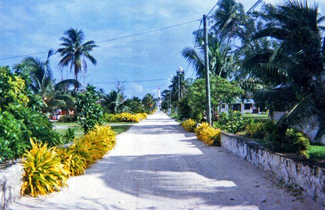 Le village de Pouheva à Makemo en 1998