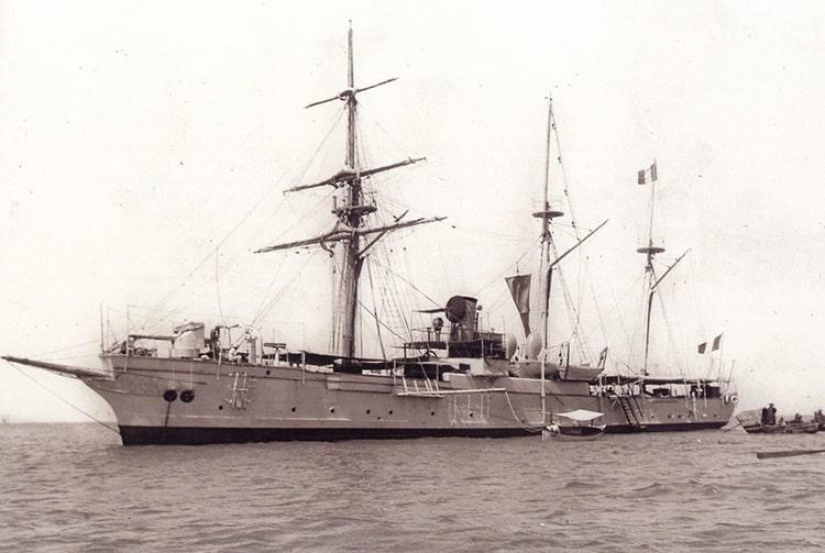 La canonnière La Zélée, à Papeete, vers 1910