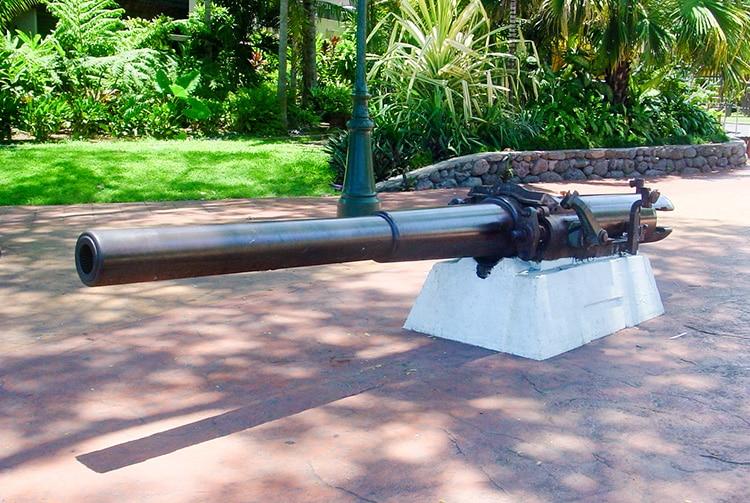 Canon de la canonnière La Zélée, parc Bougainville à Papeete © Tahiti Heritage