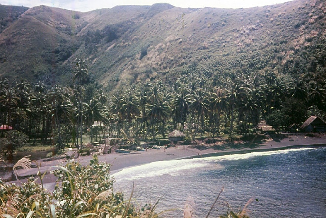 Baie de Tiarei en 1963. Photo Pierre Carabasse