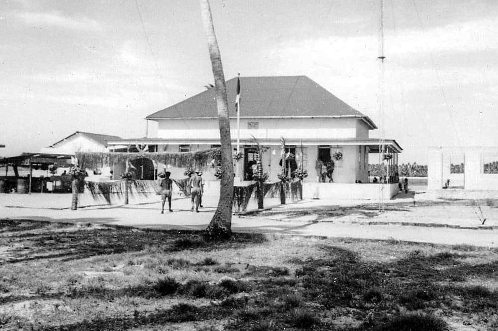 Mairie, ancienne chefferie de Kauehi en 1967.