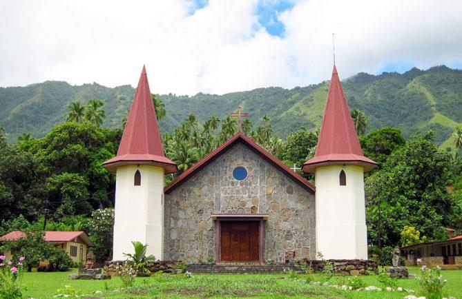 Eglise des Sacrés-Cœurs de Hatiheu, Nuku-Hiva. Photo Heidy Baumgartner Lesage