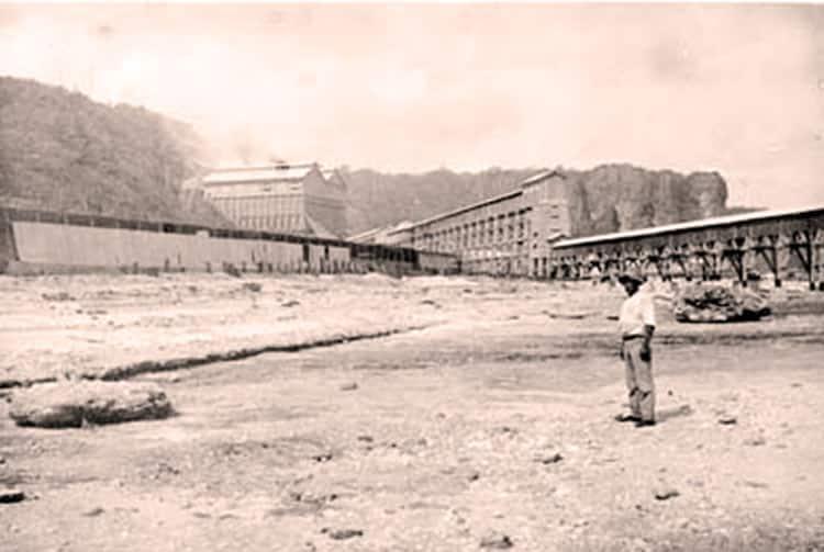 Première jetée du port de Temao à Makatea.