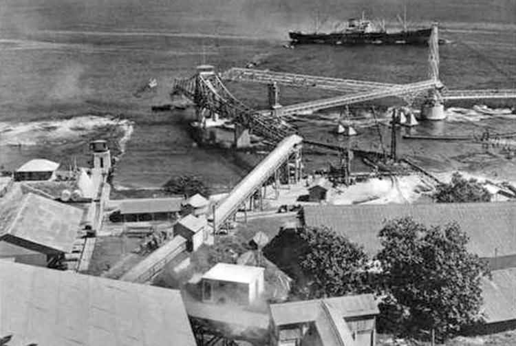 Le pont transbordeur de Makatea en 1962