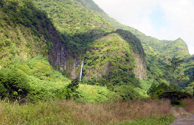 Cascade Topatari, vallée de la Papenoo © Tahiti Heritage