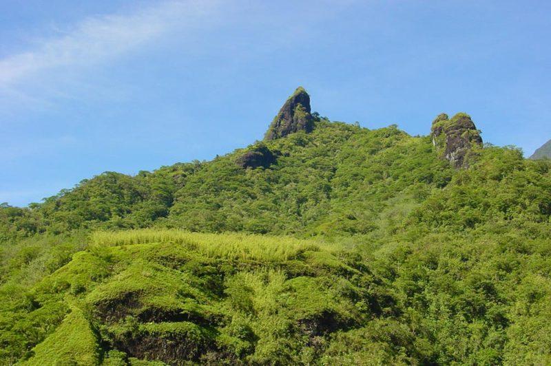 Sexe de Hiro ou colline de la lune, vallée de la Papenoo © Tahiti Heritage