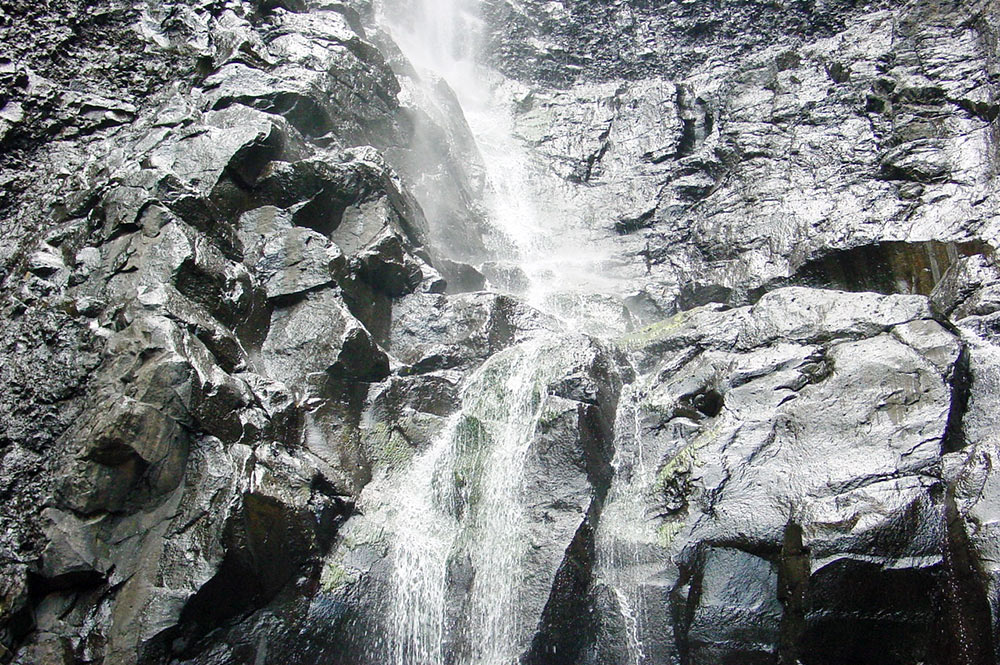 cascade de la vallée de Vaipu à Papara © Tahiti Heritage
