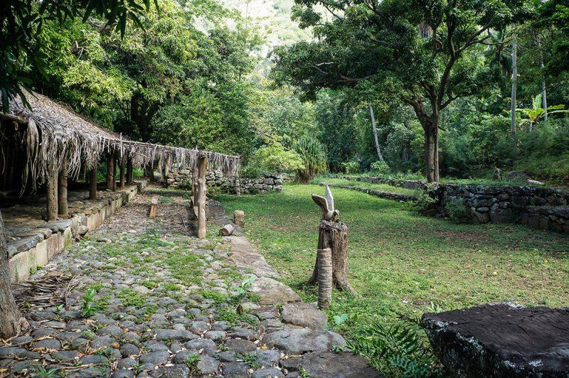 Site archéologique de Mania à Ua Pou. Photo Rita Willaert