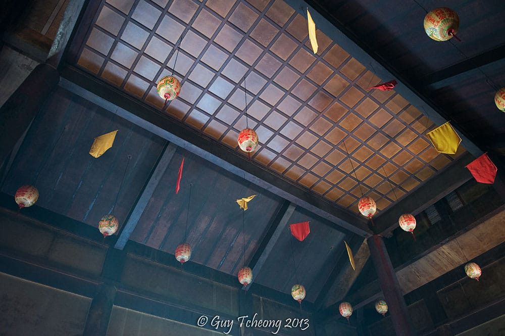 Plafond du temple chinois de Papeete. Photo Guy Tcheong