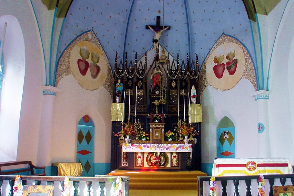 Autel de l'église de Taravai