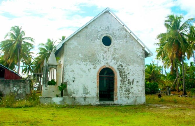 Eglise Maria No Te Mauiui de Putuahara à Anaa, Tamotu 2005 © Tahiti Heritage