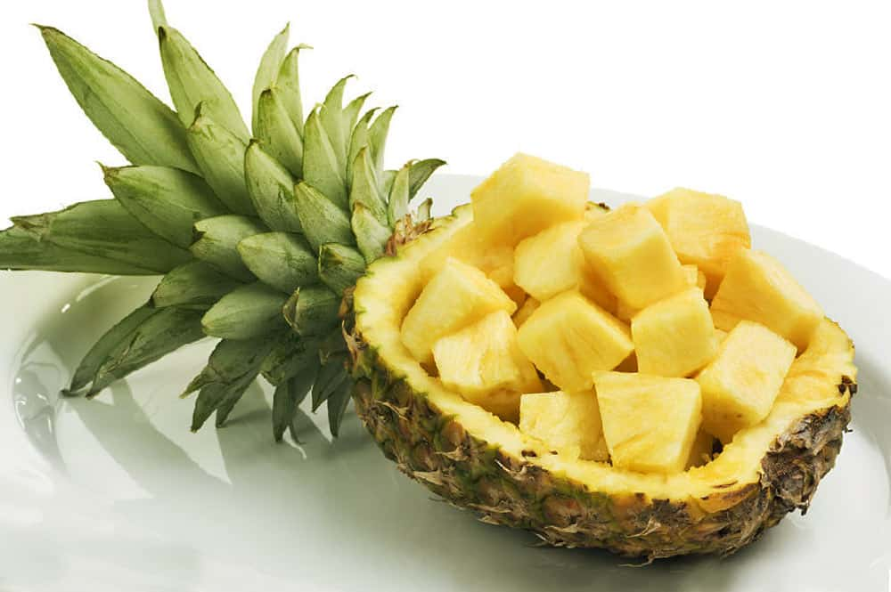 Ananas découpé en morceaux