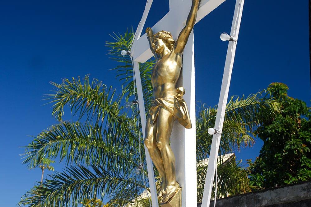 Christ du Cimetière de Arue, Tahiti. © Tahiti Heritage
