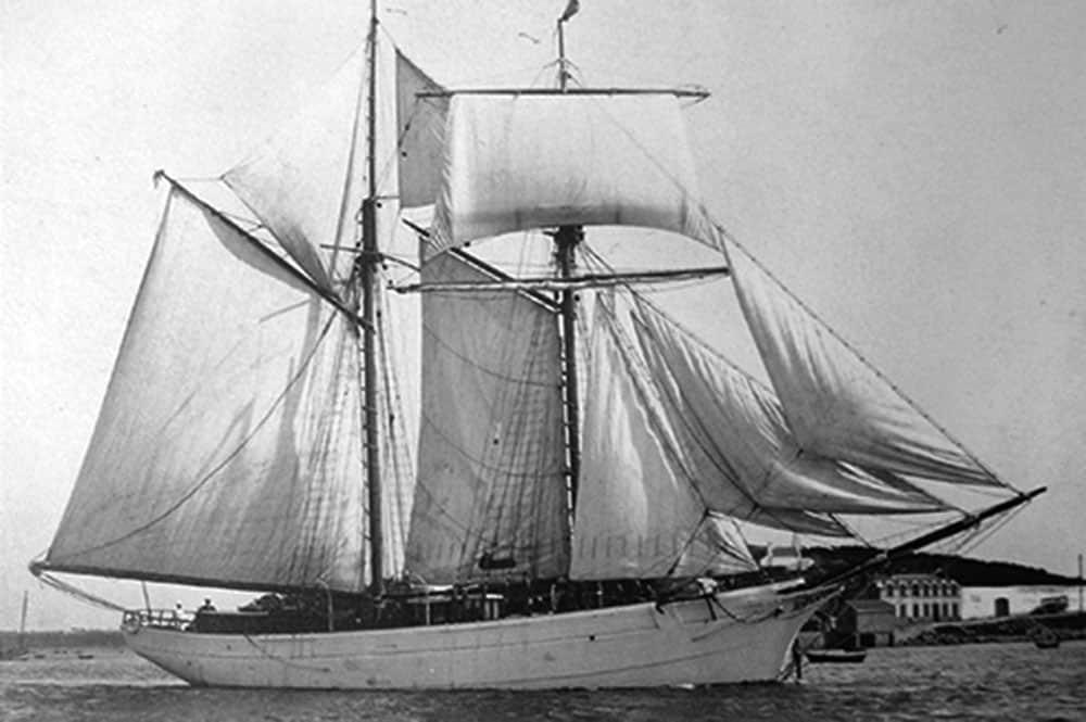 La Korigane, navire de Charles Van den Broek