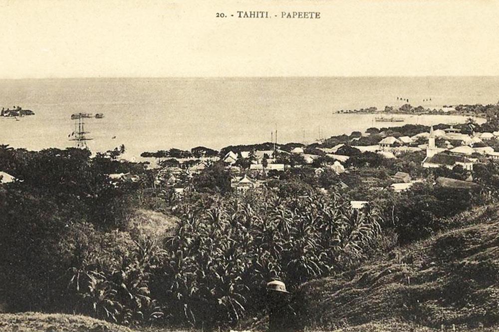 Vue de Papeete depuis le mont Faiere à Sainte Amélie, 1880 Photo G. Spitz