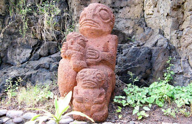 Tiki d'une famille marquisienne, à Ua Huka