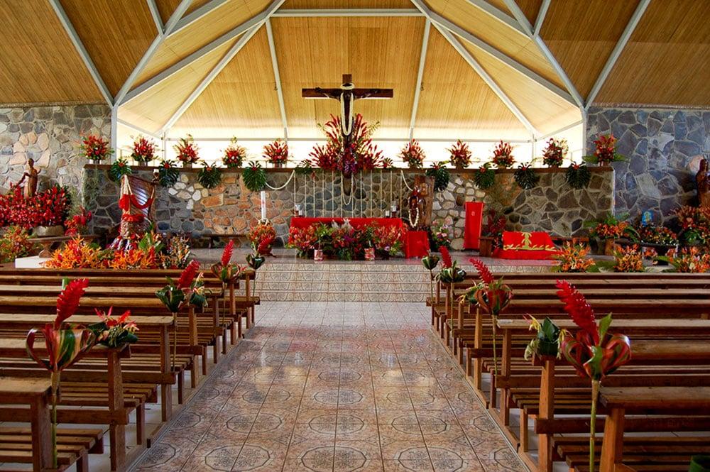 Intérieur de l'église Saint-Etienne de Hakahau, Ua Pou, Marquises