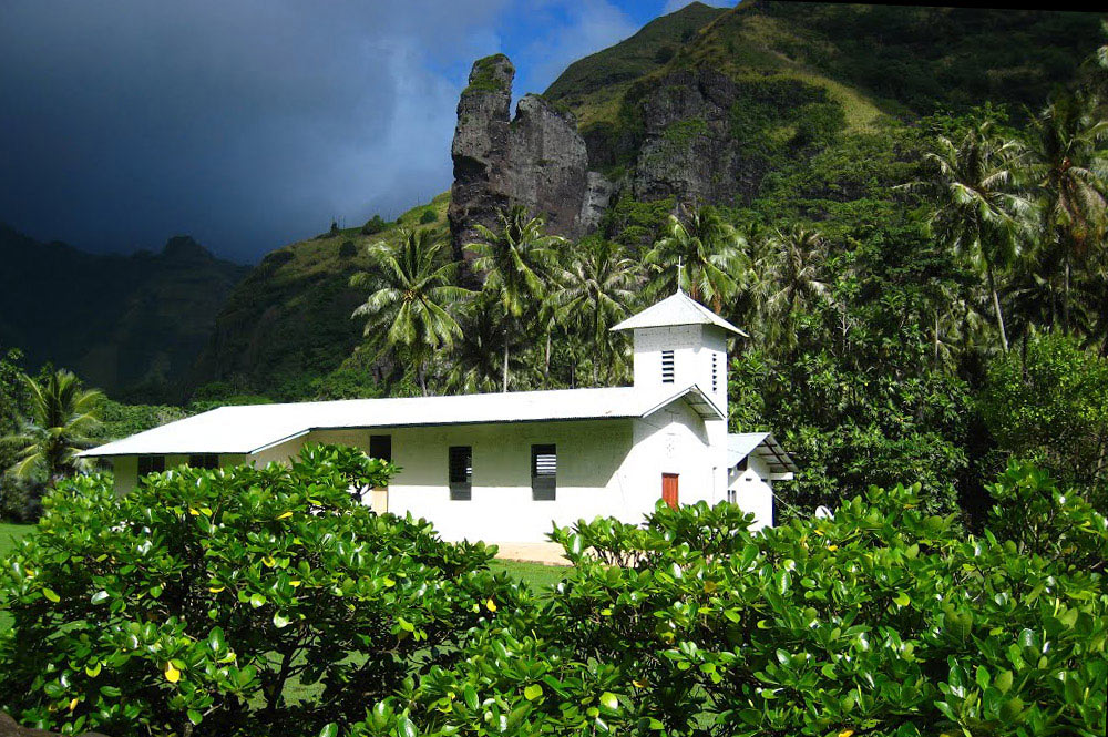 Eglise Saint-Michel de Hanavave, Fatu Hiva. Photo Mermoz